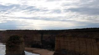 The 12 Apostles - Great Ocean Road - Wildlife Tours Australia ( 1 Day Tour Great Ocean Road )