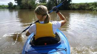 Kayaking Basics : How To Choose and Buy a Kayak(In this http://www.WatchMojo.com video whether you're a beginner or an expert, we find out what to look for when buying a kayak., 2009-10-15T19:34:17.000Z)