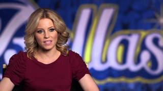 "Pitch Perfect 2: Director Elizabeth Banks ""Gail"" Behind The Scenes Movie Interview"
