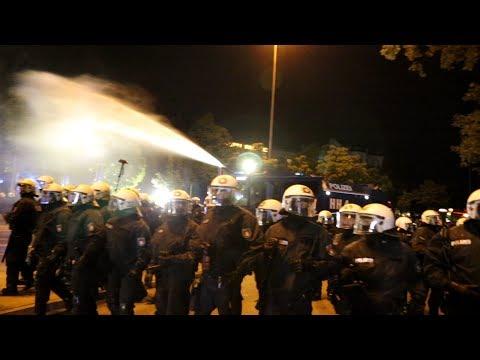 Wasserwerfer gegen friedlichen Protest auf St. Pauli