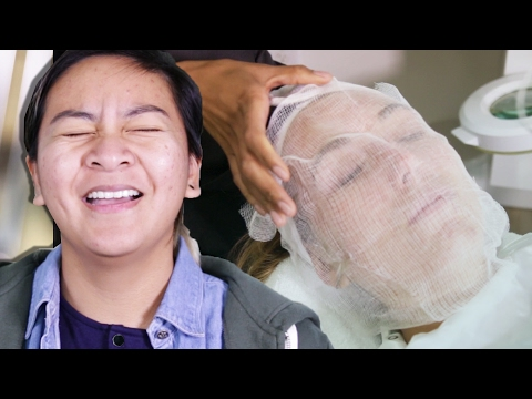 Women With Acne Get Facials For The First Time
