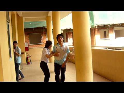 Bé trai bị cưỡng hiếp tập thể giữa trường
