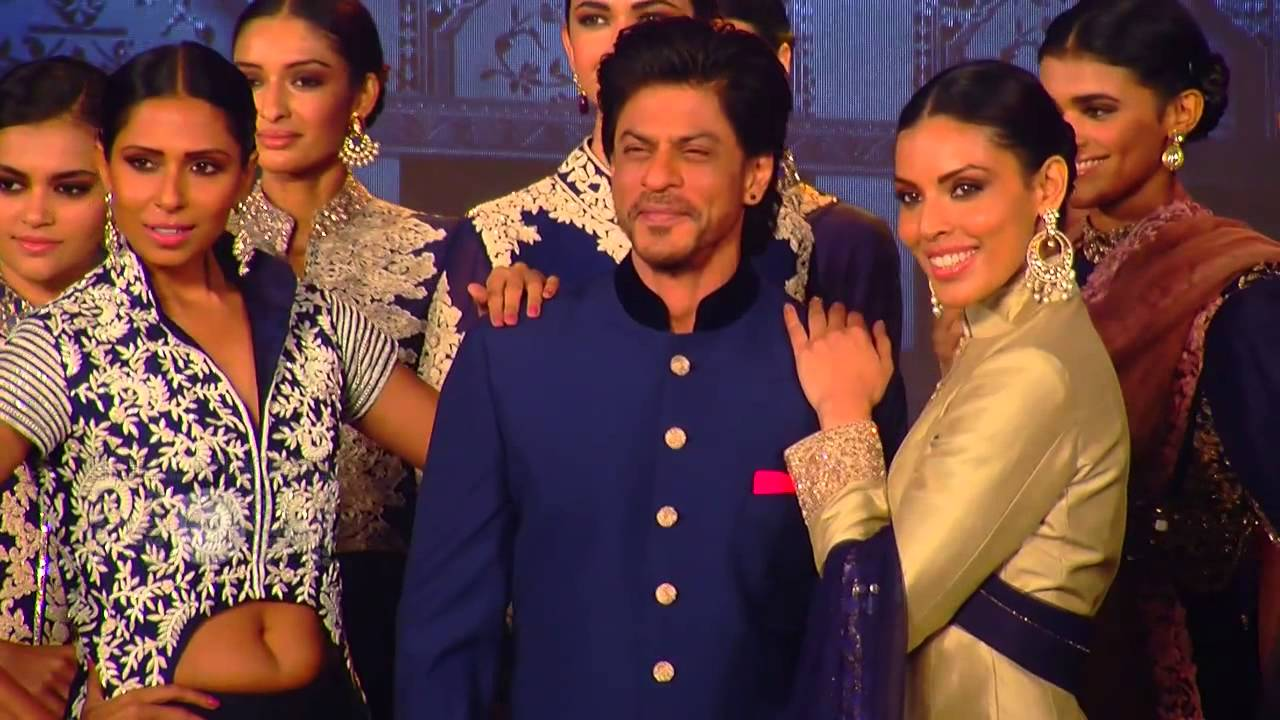 OMG! Is Shahrukh Khan Planning For A Second Marriage? - YouTube
