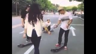Bạn nữ trượt ván siêu đẳng cấp