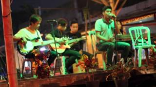 Croof Takkan Kembali Live akustik at aquanos Malang