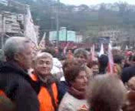 Manifestazione Officine FFS Bellinzona - Occupazione Binari