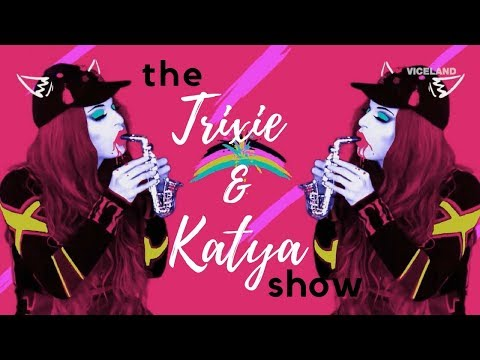 """THE TRIXIE & KATYA SHOW - Episode 1 - """"Hooking Up"""" [FULL HD]"""