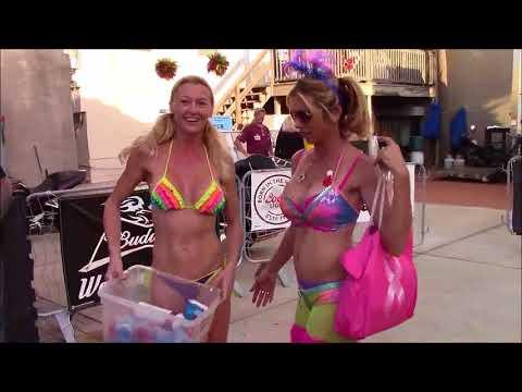 Naked News Highlighting Vacationparties.com at Hedonism IIKaynak: YouTube · Süre: 3 dakika9 saniye