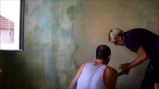 škrábání pokojů