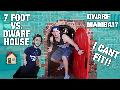 7 FOOT GUY VISITS DWARF MAMBAS HOUSE! *I get stuck*