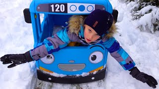Wheels on the Bus Winter version / Nursery Rhymes & Kids Songs by Ksysha Kids TV