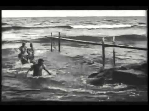 Auguste and Louis Lumière - La Mer (Baignade en mer) (1895)