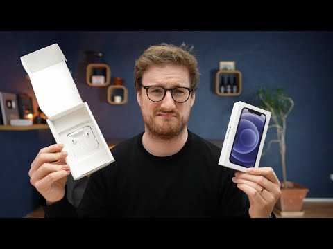 Ex-Apple Employee Unboxes French iPhone 12 Mini