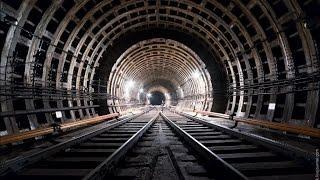 Станция Барабашова перекрыта, на перроне – пожарные рукава(Неизвестный о заминировании станции метро Барабашова сообщил в 14:15 15 апреля. Со станции было эвакуировано..., 2015-04-15T13:46:06.000Z)