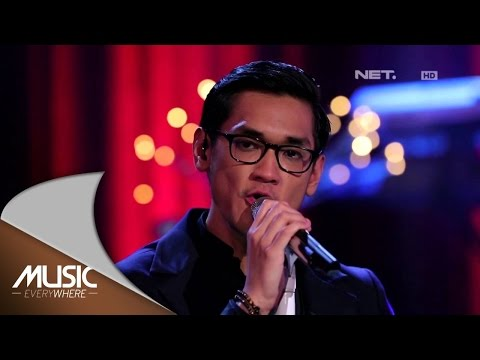 Afgan & The Gandarianz - Sadis (Live at Music Everywhere) *