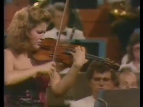 ANNE SOPHIE MUTTER, Violin Concerto in A minor, Op. 53, Antonin Dvorak