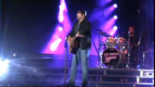 Lee Brice at Country USA 2015 -   That Don't Sound Like You