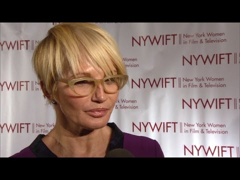 Ellen Barkin Rushed to Hospital After Choking On Her Lunch