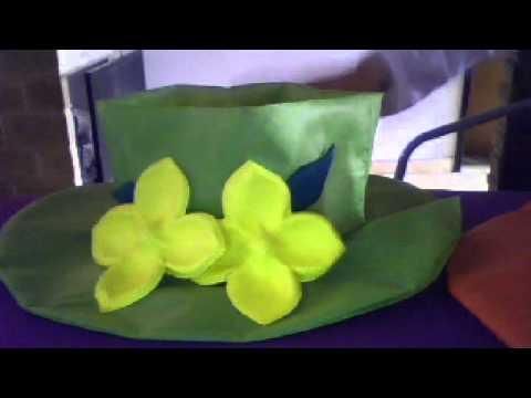 moldes para hacer rosas en goma eva(en capelinas) - YouTube