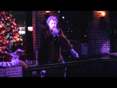 Home Alone - Marv doing Karaoke