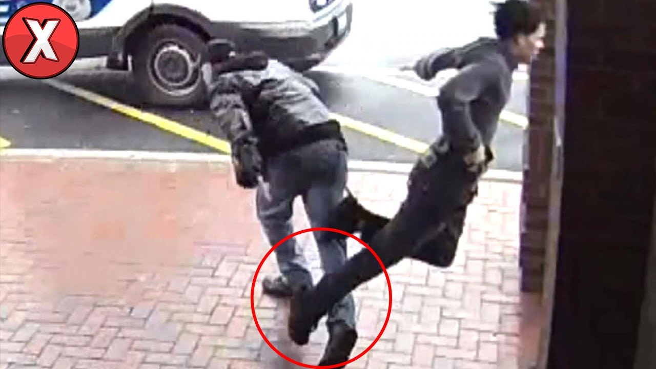 Homem com Bengala Derruba Ladrão Fugindo de Policiais l 8 Pessoas Que Ajudaram a Polícia