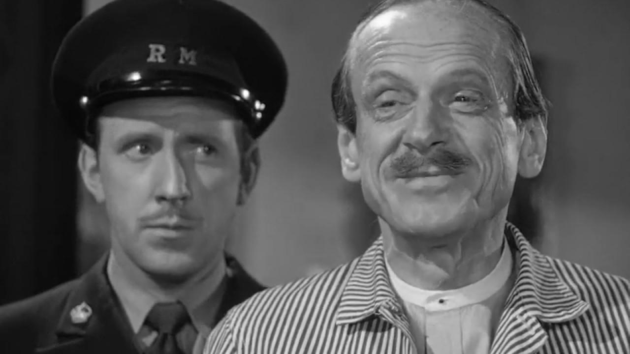Download Sherlock Holmes - The Pearl of Death (1944)   Starring Basil Rathbone & Nigel Bruce   HD