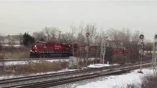 SHORT 'N SWEET CP INTER-MODAL TRAIN IN DORVAL MONTREAL - 01-07-19