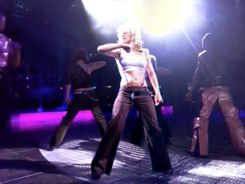 Britney Spears - Stronger (Dream Within a Dream Tour Rehearsal)