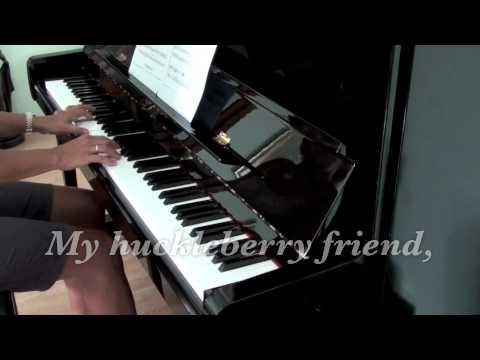 MOON RIVER   (piano) with lyrics