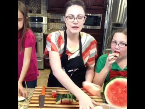 Two of the coolest watermelon tricks / hacks you will ever see.