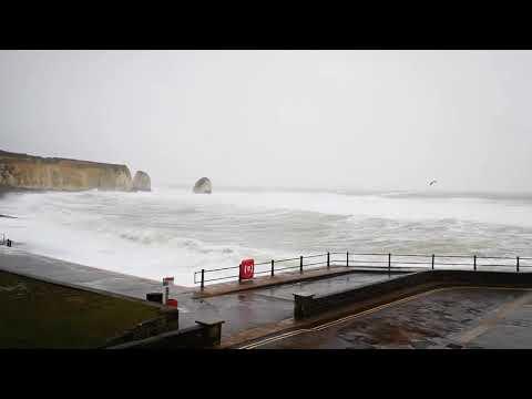 Stormy seas at Freshwater Bay as Storm Ciara hits - Island Echo