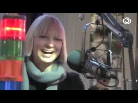 Why We LOVE Sia