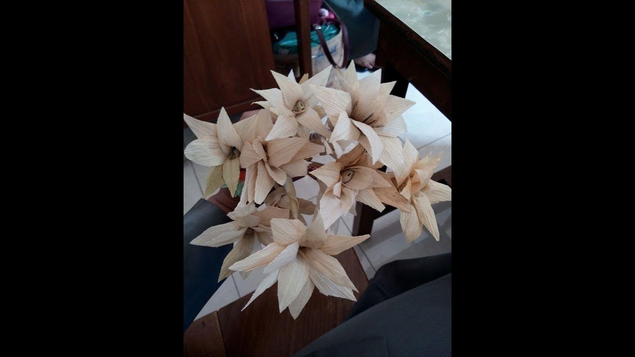 Membuat Bunga Dari Kulit Jagung Youtube