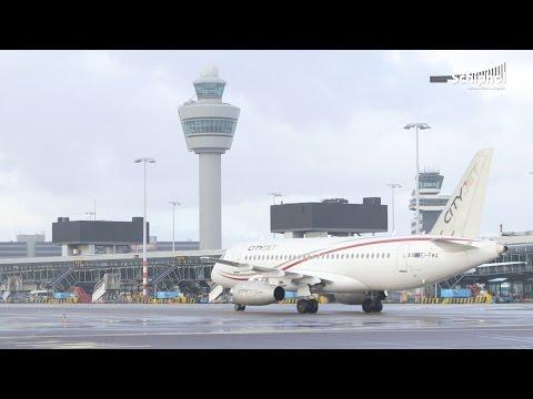 Sukhoi Superjet 100 op Schiphol