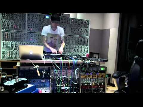deadmau5 Live set (+setup) from the studio 2014-04-05
