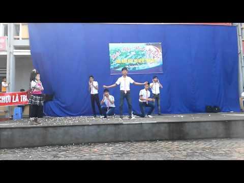 Nữ sinh nhảy văn nghệ 20 -10 - 2013 Lớp 12A1 THPT Liễn Sơn - Đời Đời quê tôi