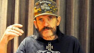 Lemmy walks off stage in austin Texas,i cant do it !