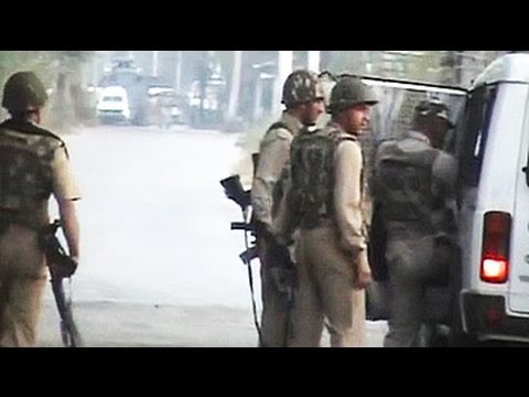Four cops injured in encounter with militants near Srinagar: sources
