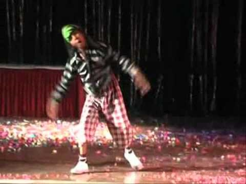 AKSHAY PAL PERFORMED IN FRONT OF JUDGE REMO SIR AT UJJAIN IN[MP] DANCESHOW.wmv