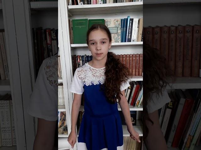 Изображение предпросмотра прочтения – ДианаПаньковская читает произведение «Край ты мой заброшенный» С.А.Есенина