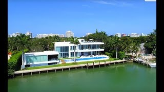 5446 N Bay Rd, Miami Beach FL  33140
