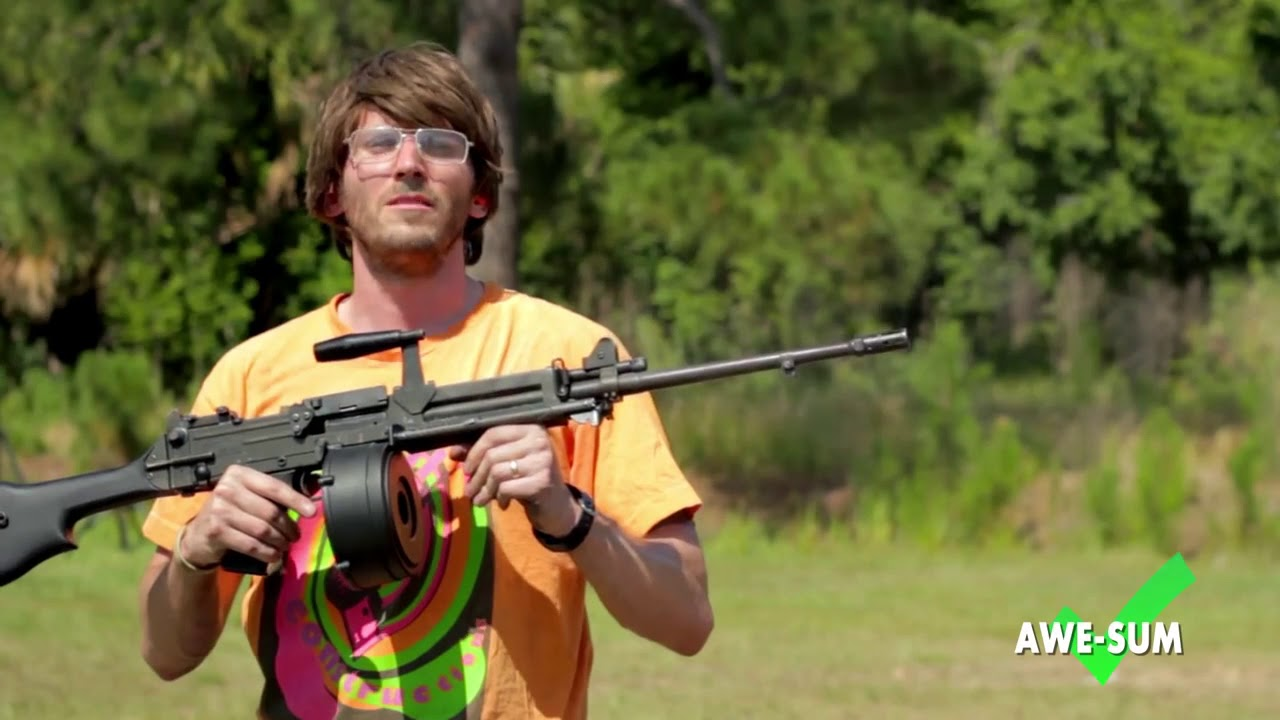 CarniK Con LIGHT MACHINE GUNS ...