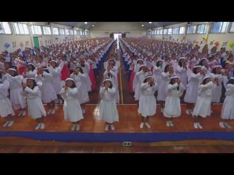 "25 aniversario padre Al. villa de las niñas Guatemala. ""Padre Al, somos tu milagro""."