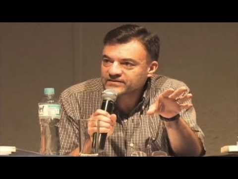 Dr. Adrian Medina Liberty: Mente y Narrativa en el Enfoque de Bruner