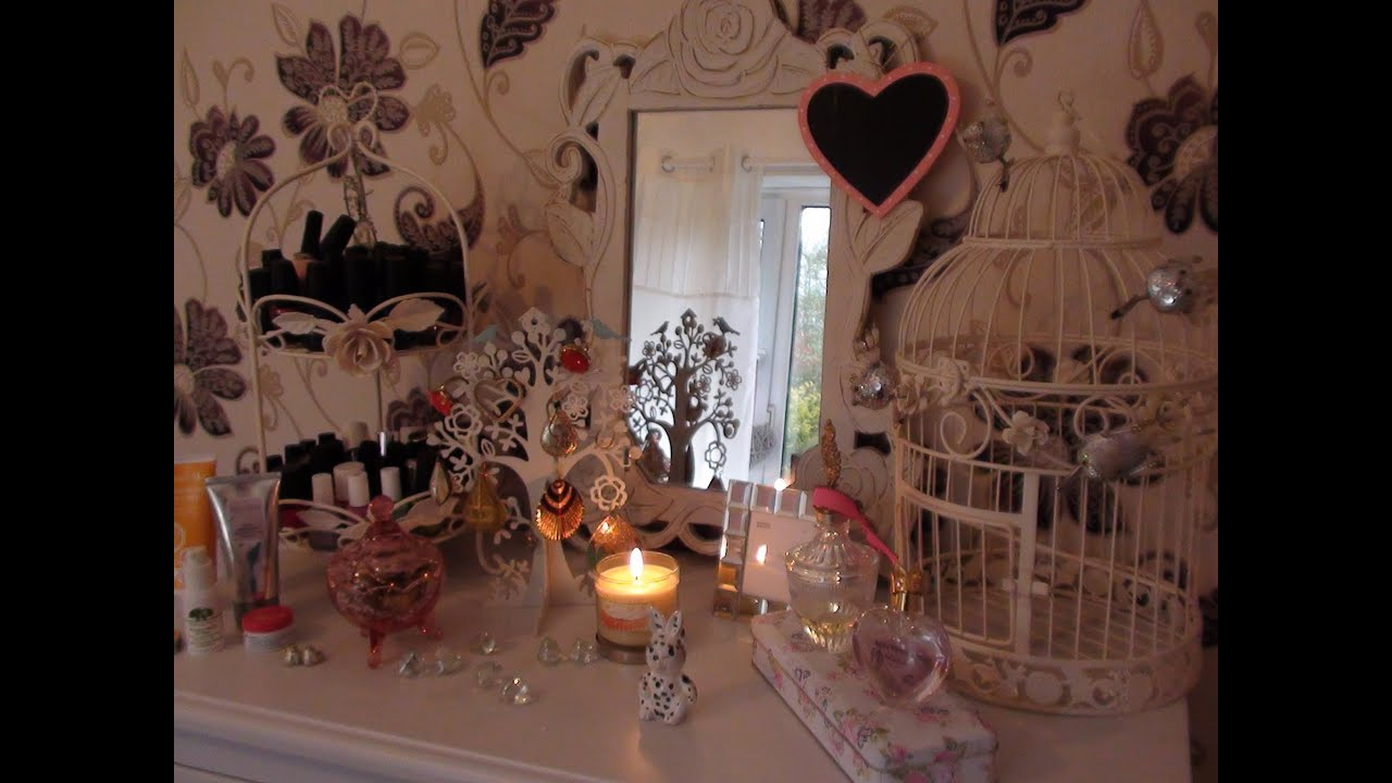 Room decorating tips shabby chic vintage and girly for Room decoration images
