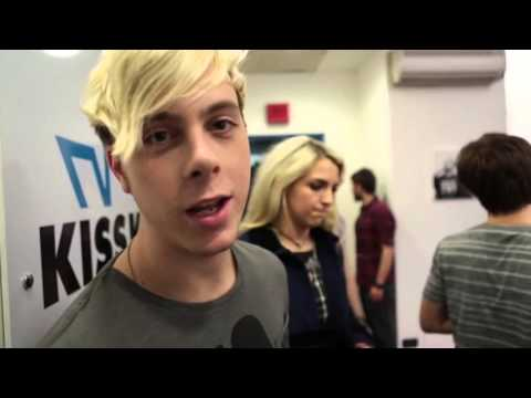 R5: Louder World Tour  24 hours in Milan, Italy