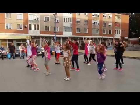 #Zumba – Copiilor le place Zumba. 17.09.2014 Hunedoara, Romania