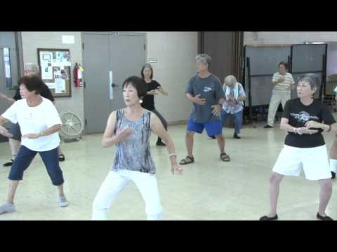 Transition Movements in Yang Tai Chi 24 Form everydaytaichi lucy chun Honolulu, Hawaii