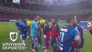Con polémico arbitraje, Puebla venció 0-1 a un Chivas que sigue sin ganar