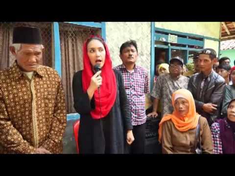 Rieke Diah Pitaloka ( Paten ) Kunjungi Keluarga TKI Krawang 9 Desember 2012